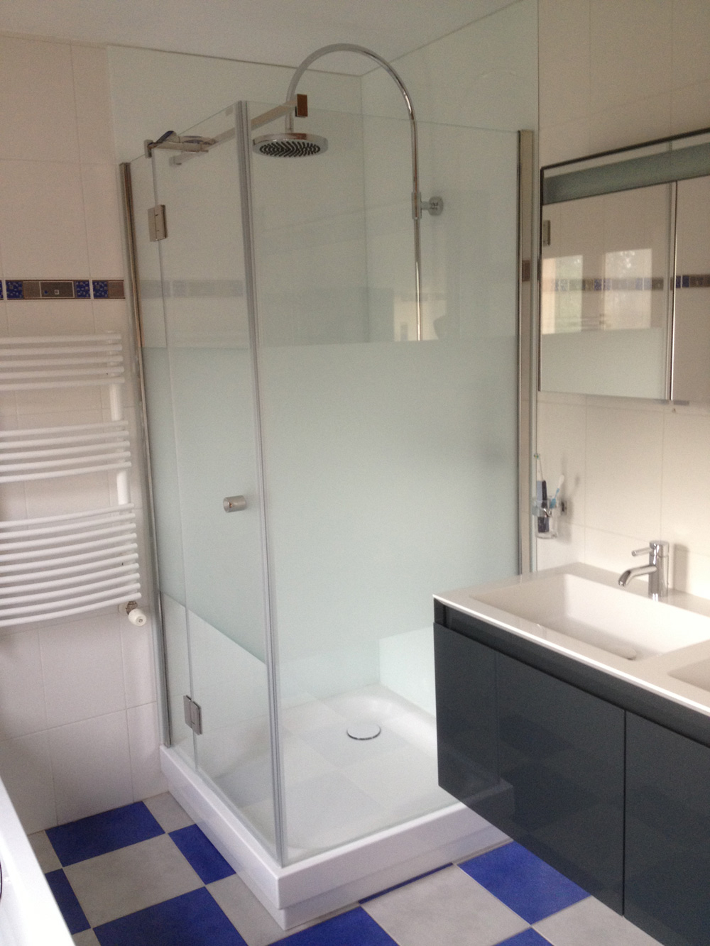 Paepens badkamer merelbeke foto s van nieuw en oud - Badkamer foto met douche ...